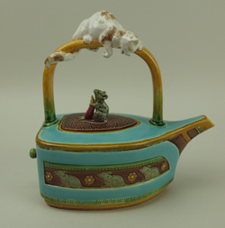Minton-Cat-and-Mouse-Flat-Iron-Teapot